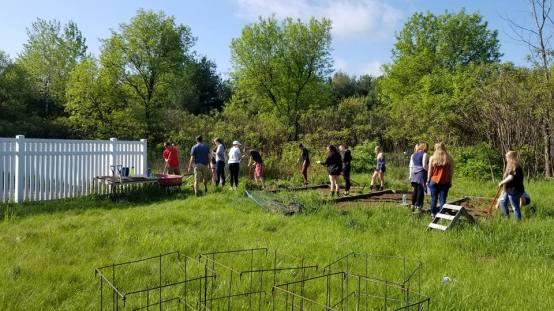 Community Garden HS Seniors 4